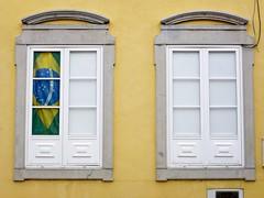 Brasil en Portugal (John LaMotte) Tags: ventana ventanas window windows janela janelas fachada infinitexposure ilustrarportugal portugal algarve faro