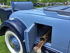 Cadillac Day (7) (AntyDiluvian) Tags: boston massachusetts brookline larzanderson automuseum vintagecars vintageautos vintageautomobiles cadillacday lawn 1930 rumbleseat golfclubcompartment