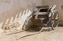 2017/06/08 16h42 Centre François Mauriac (Malagar) (Valéry Hugotte) Tags: 35mm aquitaine françoismauriac malagar mauriac saintmaixant sigma35mm canon5d canon5dmarkiv chariot sigma nouvelleaquitaine france fr