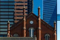 New Vision View (JeffStewartPhotos) Tags: topw topw2017rs torontophotowalk torontophotowalks photowalk hamilton ontario canada newvision newvisionunitedchurch church unitedchurch detail contrast contrasting architecture newold oldnew new old