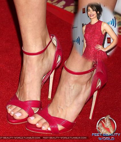 Feet zoe saldana Who is
