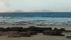 Hasta Luego (offroadsound) Tags: beach playa famara lanzarote lagraciosa lowtide evening últimodía temiroalosojos