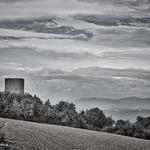 Dominant  la Vallée du Rhône, la Tour d'Albon & au-loin l'Ardèche... thumbnail