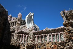 Father Dobberstein's Grotto of the Redemption (kellyludwig) Tags: grotto folkartenvironment geodes fatherdobberstein religious embellished roadtrip canonefs1022mmf3545usm