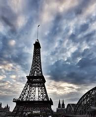 Eiffel Tower meets Dom in Cologne (Magic M.) Tags: paris cologne köln eiffelturm eiffeltower hohenzollernbrücke hohenzollernbridge sunset sonnenuntergang