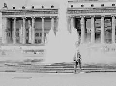 Berlin Mitte (julia schu) Tags: lustgarten berlin mitte brunnen tourist sightseeing monochrome sw pentax k30