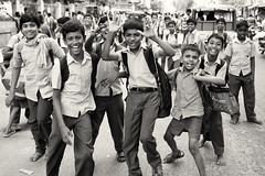 India, boys having fun (Dietmar Temps) Tags: action asia boys children ethnic ethnie ethnology faces fun india indien kids madurai naturallight outdoor people school uniform smile southasia streetphotography students tamilnadu