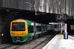 323220, Birmingham New Street (JH Stokes) Tags: class323 emu electricmultipleunits birmingham westmidlands 323220 birminghamnewstreet trains trainspotting tracks t railways transport photography