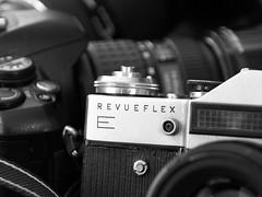 Revueflex E (reuas ogni) Tags: kamera camera revueflex e makro macro olympus zuiko einfarbig old school sw bw alt isoz