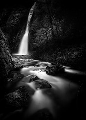 Horsetail Falls (AirHaake) Tags: columbiarivergorge horsetailfalls longexposure pdx portland water waterfalls atmosphere blackandwhite blackandwhitephotography