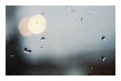 * (PattyK.) Tags: ioannina giannena epirus greece grecia griechenland hellas ellada urban rain rainyday raindrops window springrain lights afternoon snapseed nikond3100 amateurphotographer may 2017 ιωάννινα γιάννενα βροχή απόγευμα σταγόνεσ παράθυρο φώτα ελλάδα ευρώπη