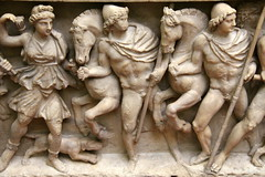 Sarcophagus with Calydonian Hunting Scene #2 (just.Luc) Tags: nude nudo nu desnudo naakt nackt naked man male homme hombre uomo marmer marmo marbre marble marmor penis pene men männer hommes hombres uomini mannen paarden pferde chevaux horses dog hond hund chien woman frau vrouw femme donna mujer scènedechasse huntingscene jachttafereel relief reliëf escultura art kunst uffizi museum musée museo roman romeins romain monochroom sarcofaag sarcophagus sarcophague