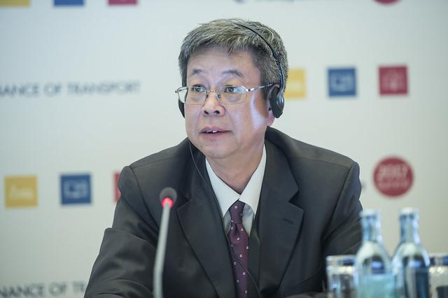 Baolin Shi taking a question