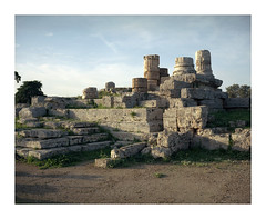 (mister.gregster) Tags: paestum antiquity greek roman ruins ektar 100 mamiya 7ii 80mm epson v500