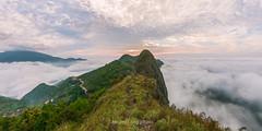 _J5K9196-244.0417.Phiêng Ban.Bắc Yên.Sơn La (hoanglongphoto) Tags: asia asian vietnam northvietnam northwestvietnam landscape scenery vietnamlandscape vietnamscenery vietnamscene morning outdoor sky cloud clouds mountain mountainouslandscape nature canon canoneos1dx tâybắc sơnla bắcyên tàxùa phiêngban phongcảnh thiênnhiên buổisáng bầutrời mây núi phongcảnhtâybắc phongcảnhtàxùa sunrise bìnhminh bìnhminhtàxùa sốngkhủnglong dinosaurspine 1x2 imagesize1x2 zeissdistagont2815ze