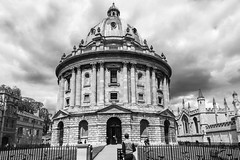The Radcliffe Camera (WilliamND4) Tags: oxford radcliffecamera nikon d750 college blackandwhite outside clouds