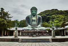 A quiet place (Lorenzo Giola) Tags: statue buddah kamakura travel mountains japan daibutsu kanagawa religion buddhism