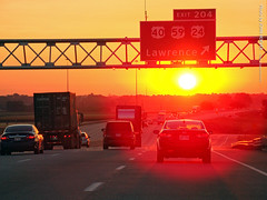 Sunrise at East Lawrence Exit, 2 Sept 2016 (photography.by.ROEVER) Tags: lawrence kansas usa i70 kta kansasturnpike interstate70 interstate highway road tollway eastbound eastboundi70 sunrise drive driving driverpic ontheroad 2016 september september2016