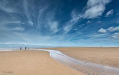 Hunstanton beach (jerry_lake) Tags: 14mm 3xhdr blakeneytrip d750 hunstanton may2017 nikon1424mmf28 beach bluesky f80 sand sea