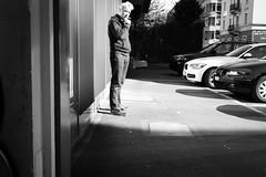 out for a smoke (gato-gato-gato) Tags: digital zürich schweiz abend april feierabend frühling leica leicammonochrom leicasummiluxm35mmf14 mmonochrom messsucher mittwoch monochrom sonne strasse street streetphotographer streetphotography streettogs suisse svizzera switzerland zueri zuerich zurigo black flickr gatogatogato gatogatogatoch rangefinder streetphoto streetpic tobiasgaulkech white wwwgatogatogatoch manualfocus manuellerfokus manualmode schwarz weiss bw blanco negro monochrome blanc noir strase onthestreets sviss zwitserland isviçre zurich