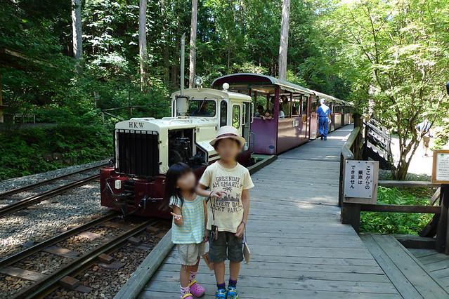 森林鉄道と一緒に記念撮影☆|赤沢森林資料館