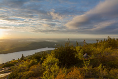 Acadia National Park - Cadillac Mountain Sunset 13 (raelala) Tags: justmainethings2017 acadianationalpark barharbor cadillacmountain canon1755mm canon7d canoneos7d findyourpark goexplore goldenhour maine memorialdayweekend memorialdayweekend2017 mountdesertisland mtdesertisland nationalpark newengland photographybyrachelgreene roadtrip scenicoverlook sunset thatlalagirl thatlalagirlphotography thatlalagirlcom travel usnationalparks