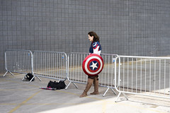 Captain America waiting for her picture (jamiethompson01) Tags: comic con 2017 london excel dlr movies marvel video games pop culture batman spiderman star wars mcm multigenre fan convention bank holiday street candid martin parr british uk england people event day sony ilce7m2 fe 55mm f18 za