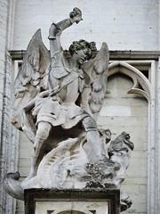Cathédrale des Sts Michel et Gudule, Brussels (Dimitris Graffin) Tags: bruxelles brussels βρυξέλλεσ ブリュッセル statue sculpture