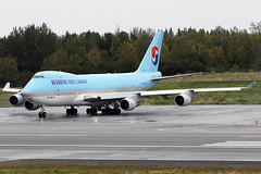 HL7434 (Jeroen Stroes Aviation Photography) Tags: koreanairlines b747 anchorage anchorageairport panc anc alaska