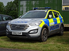 Warwickshire and West Mercia Police Hyundai Sante Fe EO62 EHP, RAF Cosford Air Show 2017. (Vinnyman1) Tags: warwickshire west mercia police hyundai sante fe eo62 ehp royal air force raf army cosford show 2017 shropshire aviation military aircraft shifnal emergency services service rescue 999 england uk united kingdom gb great britain