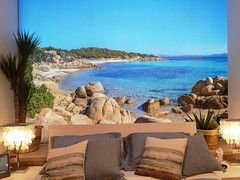 La Sardegna... (antonè) Tags: arredamento sardegna letto cuscini lampade piante gallura rocce granito