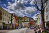 Der rosa Motorroller (Helmut Reichelt) Tags: motorroller rosa pink bunt fassaden streetphoto flickrtreffen flickrmeeting wasserburg frühling mai oberbayern bavaria deutschland germany leica leicam typ240 captureone10 hdrefexpro2 fhdr leicasummilux35mmf14asphii dxoviewpoint3