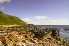 Perthumie Bay (Keith (foggybummer)) Tags: aberdeenshire perthumiebay shoreline coastal geology