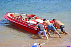 IMG_6223 (imelvis) Tags: parker river arizona water boat noid toy noids ramos family beach shore red blue only woman v8