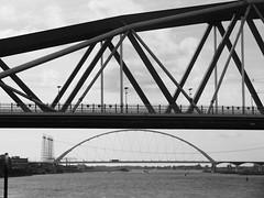 De Oversteek & de Snelbinder (streamer020nl) Tags: bridge brug pont brucke waal