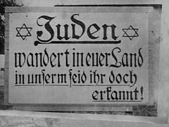 An anti-Jewish street sign in Germany (stillunusual) Tags: germany germanhistory history nazi nazigermany thirdreich blackandwhite vintage holocaust shoah jew jews jewish antisemitism antijudaism jude juden street streetphotography 1930s