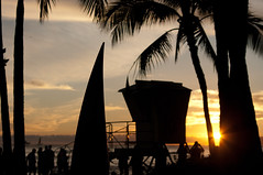 (Zebulon Dave) Tags: hawaii honolulu oahu waikikibeach beach silhouette sunset surfboard lifeguardtower palmtree 2 usa unitedstates category location regionandorlandmark sf tempdecent what where img3296edited