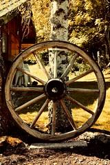 Image d'antan (catoche1988) Tags: époque rétro charrette roue nostalgie chaud