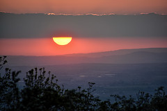 Playing Hide and Seek (Gwenael B) Tags: sunset sun soleil coucherdesoleil nuage landscape paysage evening worcestershire uk scenic