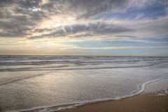 Evening dreams (blavandmaster) Tags: canon christiankortum eos6d 24105 2017 himmel clouds ciel paysage countryside landschaft seascape sommer plage sonnenuntergang summer incredible thenetherlands hemel wolken noordzee nordsee sand mèrdunord landscape vesterhavet kust sable wasser juin sea coucherdesoleil colours water mighty rich noordholland interesting harmonic light northsea beach eos complete zomer zonsondergang juni nuages eau june see sky