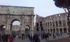 Coliseo y Arco Constantino (Roma). (GabrielMárquez9) Tags: constantino anfiteatro flavio siglo i imperio romano empire architecture ruins people roman century