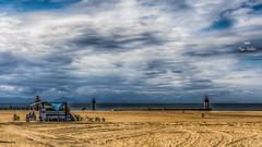 La cabane (Fred&rique) Tags: lumixfz1000 photoshop hdr atlantique plage cabane roulotte sandwiches ciel nuages océan phare