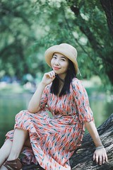 (Hagen123) Tags: canon 佳能 5d 5d2 mark mark2 ii ef 85 85mm f 18 f18 park girl women woman china chinese shanghai