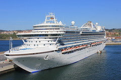 2017 04 19 424 Crown Princess in Bilbao (IoW_Sparky) Tags: bluesky sea 2017cruisepo crownprincess crown princess ship boat bilbao spain harbour port cruise canon eos 550