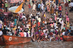 Varanasi, bathing and swimming in the Ganges (1) (walterkolkma) Tags: varanasi india ganges ganga swimming bathing streetphotography hinduism nikond5500