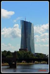 EZB-Bank Frankfurt (Deutschland) (LOMO56) Tags: ezbbank europäischezentralbank bankhochhäuser frankfurtammain frankfurt bürohochhäuserinfrankfurt ezb towerstorritorrestourstürme towers torri türme tours