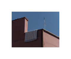 52002711 (ufuk tozelik) Tags: ufuktozelik urban city quilt drying house pole cable wall building