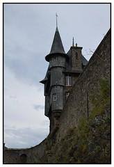 La maison sur le mur (Christ.Forest) Tags: normand normandie normandy granville plage sable niklon hauteur tour maison house ardoise mur pierre stone wall tower
