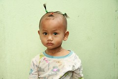 top knot child (the foreign photographer - ฝรั่งถ่) Tags: top knot child khlong thanon portraits bangkhen bangkok thailand canon kiss