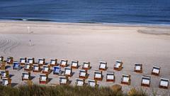 Freie Plätze (blichb) Tags: 2016 deutschland insel leicaq leicasummilux11728 meer nordsee schleswigholstein sylt blichb sommer strandkorb strand freieplätze leer